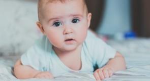 Tøj der støtter op om dit barns motoriske udvikling