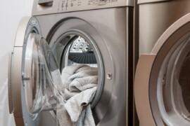 Gode tips til at gøre familiens tøjsorteringen lettere i en travl hverdag