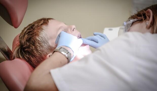 baby-og-boern.dk – Tandlægen anbefaler disse redskaber til dit barn!