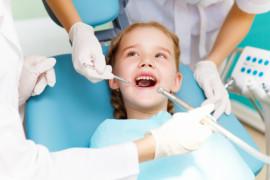 Sådan kan du kurere dit barns tandlægeskræk
