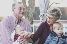 Vær med til at styrke dit barns forhold til sine bedsteforældre med Phonak tilbehør