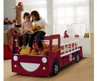 boernesenge-sjove-brandbil-trae