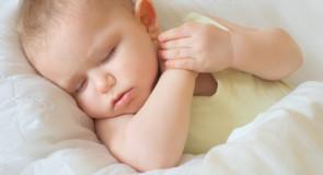 Guide: Sådan finder du den rigtige dyne til baby