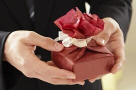 6 ideer til gaven til den nybagte mor