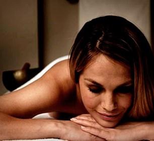 gavekort-til-wellness-massage-hotstone