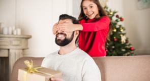 Er det din fars fødselsdag? Gode gaveidéer du som barn kan give til din far
