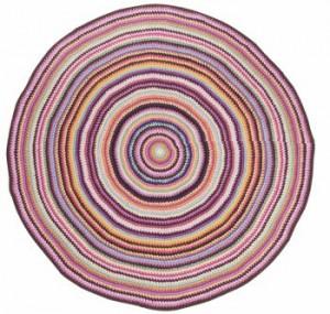 gulvtaeppe-boernevaerelset-sebra-strikket