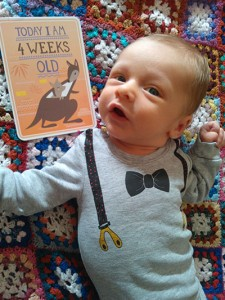 milestone-baby-kort-4-weeks
