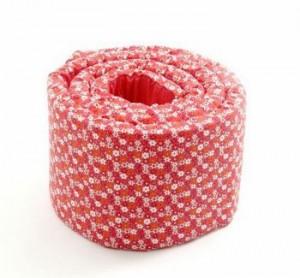sengerand-tremmeseng-smallstuff-blomster-roed