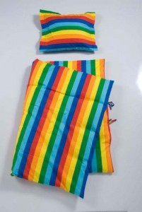 sengetoej-baby-molo-regnbuestriber